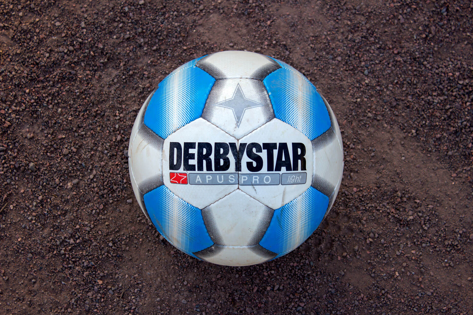 Derbystar Apus Pro light