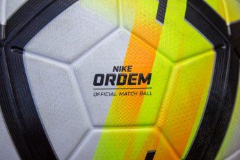 Detailansichten des Nike Ordem V